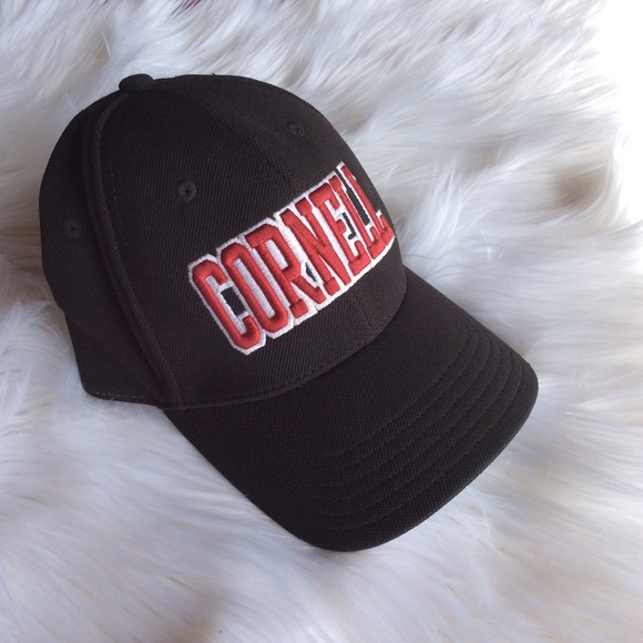 0e3c23cfab564e Under Armour Cornell University fitted hat cap. M_5b74cbab534ef9645da8b33e